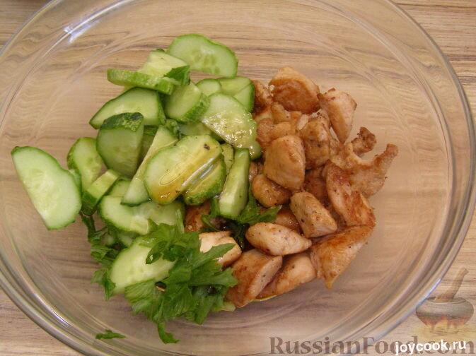 Рецепт салата из жареной курицы фото
