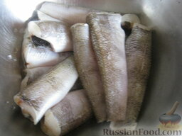 Нототения запеченная: Приготовление запеченной нототении:    Замороженную рыбу разморозить. При необходимости очистить от чешуи. Вымыть.