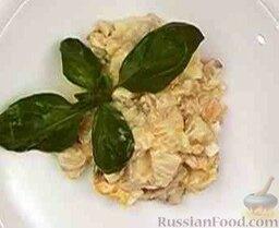 Салат из курицы с ананасом и грибами