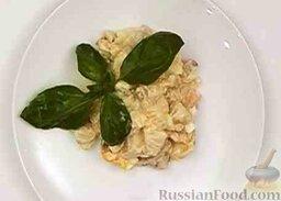 Салат из курицы с ананасом и грибами: Такой салат с ананасом, курицей и грибами не останется незамеченным, в том числе и на праздничном столе.