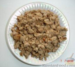 Блинчики с печенкой: Готовим начинку для блинчиков из печенки. Печенку обжариваем на масле (по желанию, вместе с репчатым луком), солим, перчим.