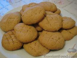 Печенье постное: Выпекать постное печенье при t=180~200°C до золотисто-коричневого цвета минут 15-20.  Приятного чаепития.