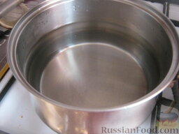 Борщ с кислой капустой: Как приготовить борщ с кислой капустой:  Вскипятить 2,5 литра воды.