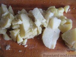 """Постный борщ """"Южный"""": Очистить картофель. Нарезать кубиками."""