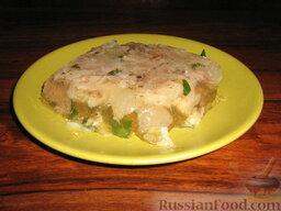 Заливное по-итальянски: Помещаем заливной язык на ночь в холодильник.   Подавать заливное из языка с маринованными овощами и вареным яйцом.   Приятного аппетита!