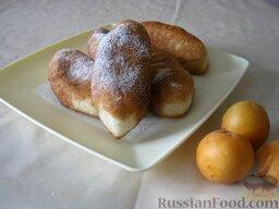 Жареные пирожки с абрикосами: Жареные пирожки с абрикосами готовы. Подавать, посыпав сахарной пудрой.  Приятного аппетита!
