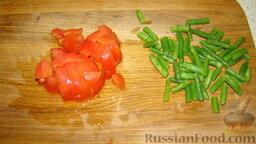 Фаршированный фарш: Нарезать спаржу. Нарезать помидор кубиком.