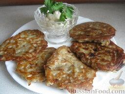 Драники с грибами: Подавать драники со сметаной.  Приятного аппетита!