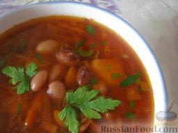 Красный борщ с фасолью и черносливом: Красный борщ с фасолью и черносливом готов.  Приятного аппетита!