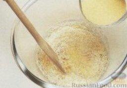 Сырный суп с манкой: Как приготовить сырный суп с манкой:    1. В большую миску налить яйца, постепенно ввести манку и сыр. Добавить мускатный орех и ввести 1 стакан бульона. Перелить эту массу в удобный мерный стакан.    2. Остальной бульон налить в большую кастрюлю и довести до кипения.