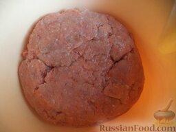 Тефтели из красной рыбы: Филе красной рыбы пропустить через мясорубку.