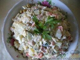 "Салат ""Оливье"" с колбасой и свежими огурчиками: Приятного аппетита!"