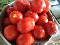 Помидоры малосольные  с хреном: Как сделать малосольные помидоры:    Помидоры перебрать (плоды должны быть целые, плотные, без дефектов), хорошо промыть. Наколоть помидоры вилкой.