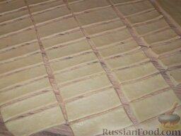 Печенье «Не пропадать же рассольчику»: Вырежьте из него при помощи ножа прямоугольники 2 х 7 см.