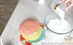 Разноцветные блины (блинный торт): Смешать сухие сливки и молоко.