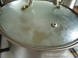 Постный зеленый борщ: Варить на небольшом огне 15-20 минут, под крышкой.