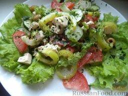 """Овощной салат """"Взрыв вкуса"""" с тофу: Подавать овощной салат с тофу немедленно.  Приятного аппетита!"""