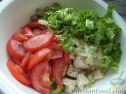 """Овощной салат """"Взрыв вкуса"""" с тофу: Все ингредиенты выложить в миску."""