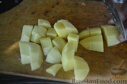 Халасле - венгерский рыбный суп: Картофель режем крупно.