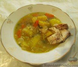 Уха наваристая с рисом: Если рис мягкий и соленость вас устраивает, то уху можно снимать с плиты и подавать в отдельных тарелках. Рыбу лучше класть в каждую порцию.