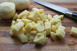Сливочный суп с форелью или семгой: Картофель порезать брусочками или кубиками.