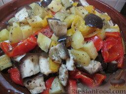 Таджин из телятины и овощей: Теперь можно перемешать и потушить еще 10 минут, чтобы все продукты подружились.