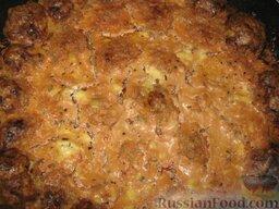 """""""Ёжики"""" в сметанно-томатном соусе: Если соус не покрывает тефтельки, то можно добавить немного воды или бульона."""