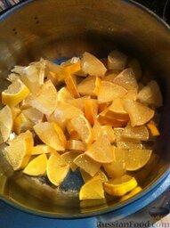 Коктейль для иммунитета: Лимоны хорошо моем и рубим на кусочки.