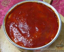 """Классическая """"Мясная буханка"""" (мясная запеканка): Затем достаньте запеканку из духовки, смажьте оставшимся кетчупом и запекайте еще 10-15 минут."""