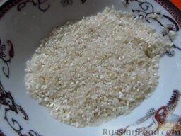 Сырный суп с курицей, сосисками и рисом: Рис промойте.