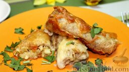 Блинчики с курицей карри в сливочном соусе: Готовые блинчики сервируем по 2-3 шт. на порцию и подаем к столу.  Приятного аппетита! Радуйте себя и своих близких!