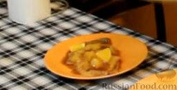 """Блинчики """"Креп Сюзетт"""" (домашний вариант): Выкладываем на тарелку по 2 штуки на порцию, посыпаем свежими апельсинами, по желанию. И подаем к столу.  Приятного аппетита! Радуйте себя и своих близких!"""