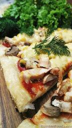 Пицца из слоеного теста, с курицей и грибами: Приятного аппетита!
