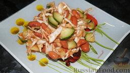 Салат из фасоли, капусты и огурцов