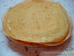 """Заварные  блины """"Три вкуса"""" (на сыворотке): Жарить блины, не добавляя масло на сковороду. Заваривание теста сделало блины очень эластичными, а необходимое количество масла уже есть в тесте."""