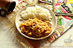 Солянка из капусты с говядиной: Такая солянка напоминает рагу, поэтому подавать солянку из капусты с говядиной можно с кашей, рисом, картофелем.