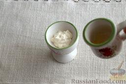 Салат с морской капустой и корнеплодами: Как приготовить салат из морской капусты:    Смешиваем майонез, винный уксус и соль.
