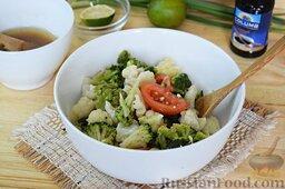 Салат из брокколи и цветной капусты: Туда же выложим сваренные и уже остывшие брокколи с цветной капустой. Если они крупноваты, то лучше разобрать на более мелкие соцветия.