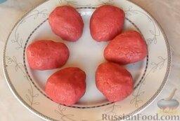 """Закуска """"Клубничка"""" (""""сельдь под шубой""""): Выложить закуску на тарелку."""