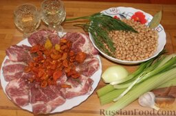 Свинина на гриле, с белой фасолью: Подготовить ингредиенты для свинины на гриле, с белой фасолью.