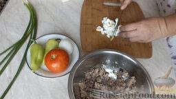 Рулет из лаваша, с сардиной и овощами: Очищаем и нарезаем яйца.