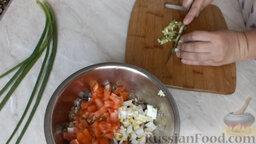 Рулет из лаваша, с сардиной и овощами: Нарезаем мелкими кубиками перец.