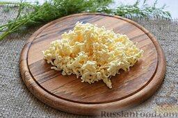 Сырный суп (в мультиварке): На тёрку с крупным полотном натрём плавленые сырки.