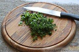Сырный суп (в мультиварке): Порубим зелень.
