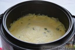 Картофельная запеканка с овощами (в мультиварке): Готовую запеканку сразу выкладывать не следует, так как она должна чуть остыть и затвердеть.
