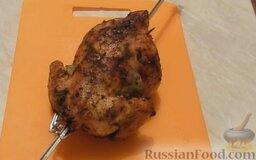 Курица гриль на вертеле в духовке: Курица гриль готова.  Приятного аппетита!