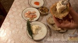 Картофельные тарталетки с морепродуктами: Заполнить тарталетки сырной массой.