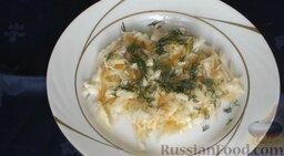 Квашеная капуста: Посыпать измельченной зеленью.