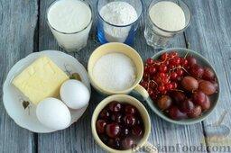 Манник на кефире, с крыжовником: Подготовьте все ингредиенты для манника на кефире, с крыжовником, вишней и смородиной.