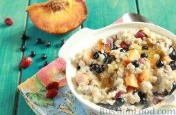 Молочная овсяная каша с ягодами: Едим полезную и вкусную овсянку сами, кормим любимых!